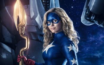 Stargirl: il primo trailer della serie che unisce DC Universe e CW