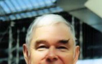 È morto James P. Hogan