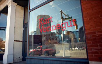 Inaugurata la Kurt Vonnegut Memorial Library