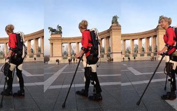 Amanda torna a camminare, grazie a un esoscheletro