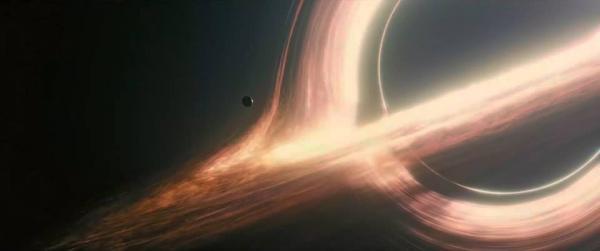 Il buco nero Gargantua immaginato in <i>Interstellar</i>