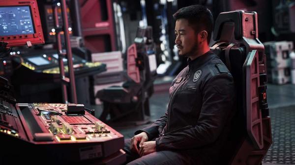 L'attore Wu Jing veste i panni di un navigato astronauta.