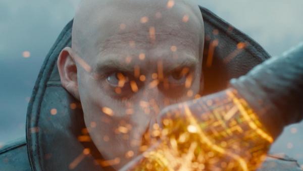 In The Blackout, gli umani sono stati creati da gente brutta.