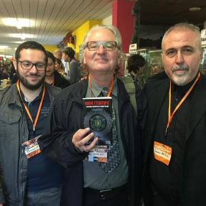 Bruce Sterling con i connettivisti, Giovanni De Matteo (sinistra) e Sandro Battisti
