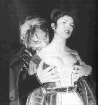 Walter Brandi e Maria Luisa Rolando in <i>L'amante del vampiro</i> (1960)