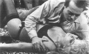 Mara Maryl (moglie di Gastaldi) e Luciano Pigozzi in <i>Libido</i>, primo film scritto e diretto da Gastaldi (1966)
