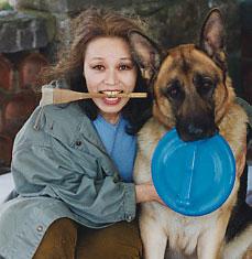 Kinuko e il suo cane Wolfie