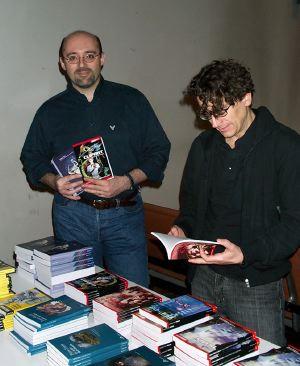 Sosio al banchetto della vendita dei libri Delos Books