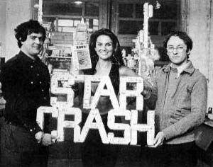 I tempi della presentazione di <i>Star Crash</i>: a sinistra Luigi Cozzi, al centro Caroline Munroe, a destra Armando Valcauda