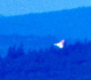 """Suggestivo fenomeno luminoso """"a grappolo"""" ripreso nel corso di EMBLA 2002 (foto: Teodorani/Project Hessdalen)"""