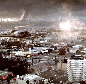 I tornado distruggono Los Angeles