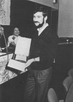 """Stefano Tuvo alla premiazione della seconda edizione di """"Il Vascello"""", bandito dalla rivista Ucronia (fine anni 80)"""