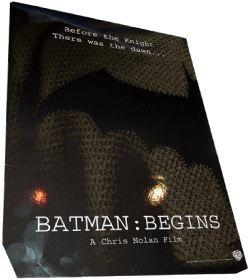 Nella foto: materiale pubblicitario approntato dalla Warner Bros per l'inizio della produzione del nuovo Bat-film.