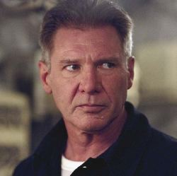 Harrison Ford in uno dei suoi ultimi film, <i>K-19</i> (2002): chi gli darebbe 61 anni?