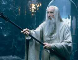 Christopher Lee nella parte di Saruman