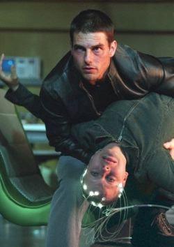Tom Cruise e Samantha Morton in una scena di <i>Minority Report</i>