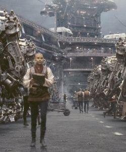 In <i>Matrix Revolutions</i> ci si prepara alla spettacolare battaglia finale contro le Sentinelle che stanno per attaccare la città degli umani di Zion.