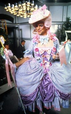 Terry Gilliam in un costume... particolare, in <i>Il senso della vita</i>