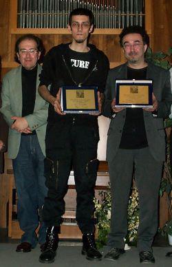 Giuseppe Lippi (a sinistra) con i due vincitori, Torello (al centro) e Cicconi