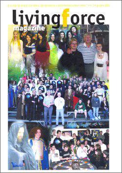 La copertina del numero 3, con tante foto di soci del club