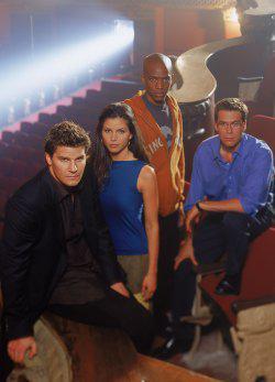Il cast della seconda stagione di <i>Angel</i>