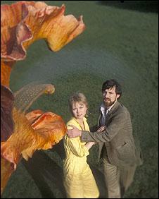 John Duttine alle prese con un trifide nella serie del 1981