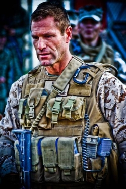 Aaron Eckhart durante le riprese