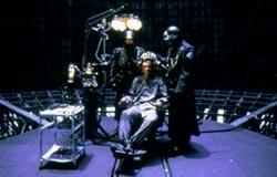 Un fotogramma tratto da Brazil, di Terry Gilliam: suggestioni e incubi orwelliani, nella stanza 101...