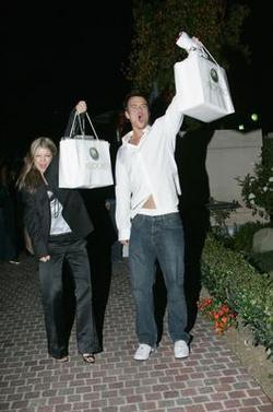 Fergie e Josh Duhamel felici la loro Xbox 360