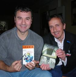 Dario Tonani (a destra) con Richard K. Morgan alla Deepcon di Fiuggi