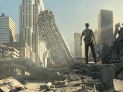 Il protagonista Alexis Goddard sulle rovine di Chicago