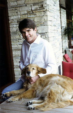 Dean Koontz con l'amata Trixie.