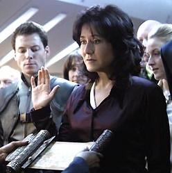Marey McDonnella nella parte della Presidente Roslin.
