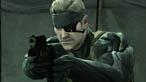Uno Snake provato da tempo e battaglie è il protagonista di Metal Gear Solid 4