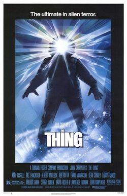 La locandina del film firmato da Carpenter nel 1982.