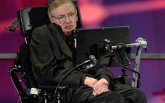 Stephen Hawking: 100 milioni di dollari per trovare gli alieni
