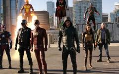 Heroes v Aliens: inizia oggi il supercrossover Supergirl/The Flash/Arrow/Legends of Tomorrow