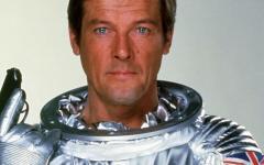 Roger Moore, se n'è andato il James Bond dello spazio