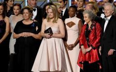 Agli Emmy hanno vinto The Handmaid's Tale e Black Mirror