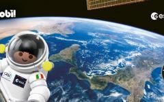 Astronauti giocattolo sulla Stazione Spaziale Internazionale