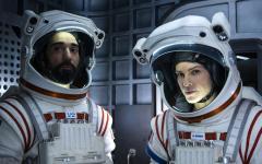 Away: a settembre Netflix porterà Hilary Swank su Marte