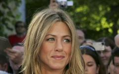 L'orologio gira al contrario per Jennifer Aniston