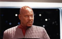 Il capitano Sisko si teletrasporta a Bellaria