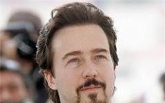 Edward Norton troppo solista per i Vendicatori