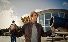È ufficiale: Michael Bay girerà Transformers 4
