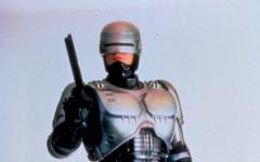 Su Sci Fi ora veglia Robocop