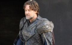 Russell Crowe si dà alla fantascienza