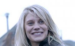 Katee Sackhoff rimane bionica ed è in compagnia