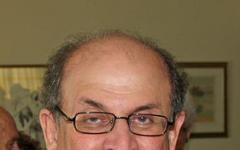 Salman Rushdie scrive una serie TV sci –fi