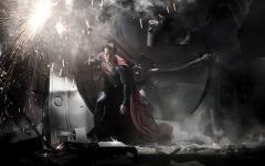 Superman: tranquilli, niente slip sopra la calzamaglia